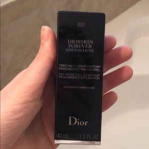 Diorskin Forever undercover 020